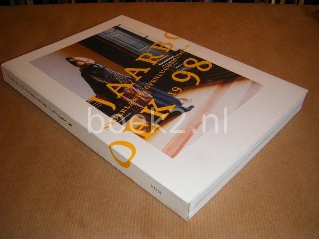 VAESSEN, PROF. DR. J.A.M.F. E.A. (RED.) - Jaarboek 1998 Nederlands Openluchtmuseum
