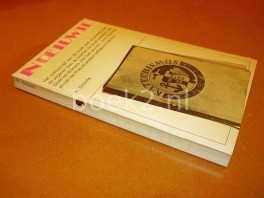 in-de-luwte-het-manuscript-van-dit-boek-was-onderweg-naar-de-uitgever-toen-de-kranten-de-dood-meldden-van-godfried-bomans-het-ha