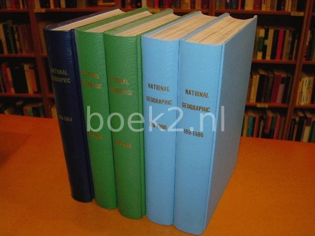 VARIOUS - National Geographic 1985, 1986 Complete in 4 vollumes, and second half 1984 in one vollume