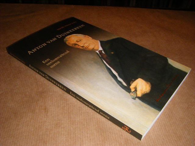 RED.; POLMAN, MARIELLE - Anton van Duinkerken, Een veelomvattend Mens
