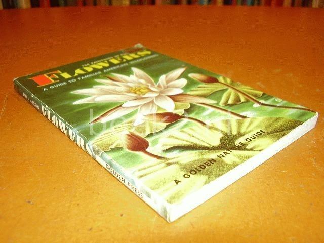 ZIM, HERBERT S. PH.D. & ALEXANDER C. MARTIN PH.D. - Flowers. A guide to familiar American wildflowers.