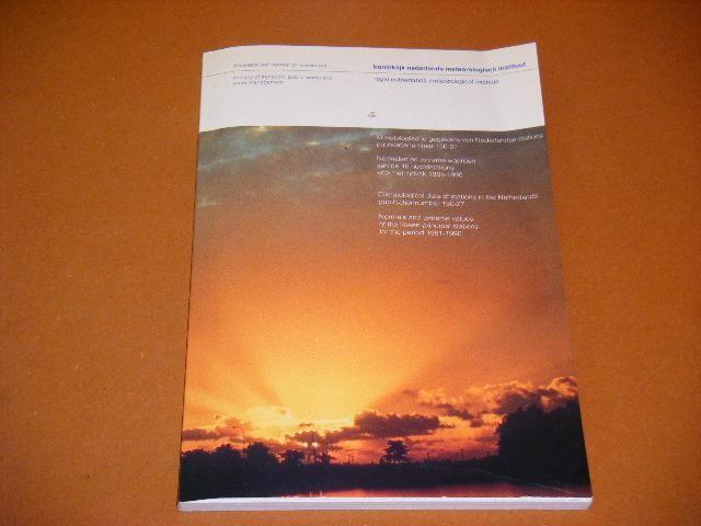 RED. - Klimatologische Gegevens van Nederlandse Stations publicatienummer 150-27.