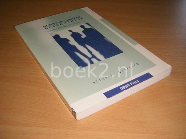 PETRA E. SCHEDLER - Buitenstaanders binnenshuis, vrouwen en homo s in organisaties