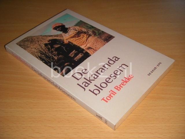 TORIL BREKKE - De Jakarandabloesem en elf andere verhalen over Afrika