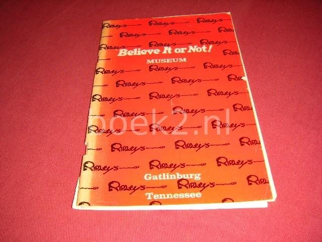D.R. COPPERTHWAITE - Ripley's Believe it or not! Museum Gatlingburg Tennessee [Souvenir Booklet]