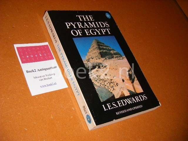 EDWARDS, I.E.S. - The Pyramids of Egypt. Revised and Updated.