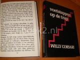 Voetstappen op de Trap. [Groot Letterboek] [Grote Letter Bibliotheek 436]